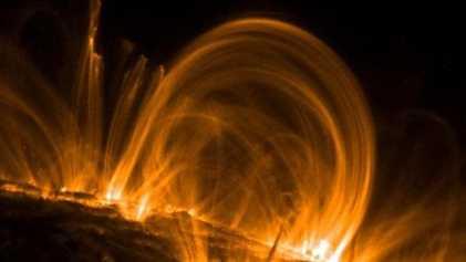Una gran tormenta solar llega a la Tierra