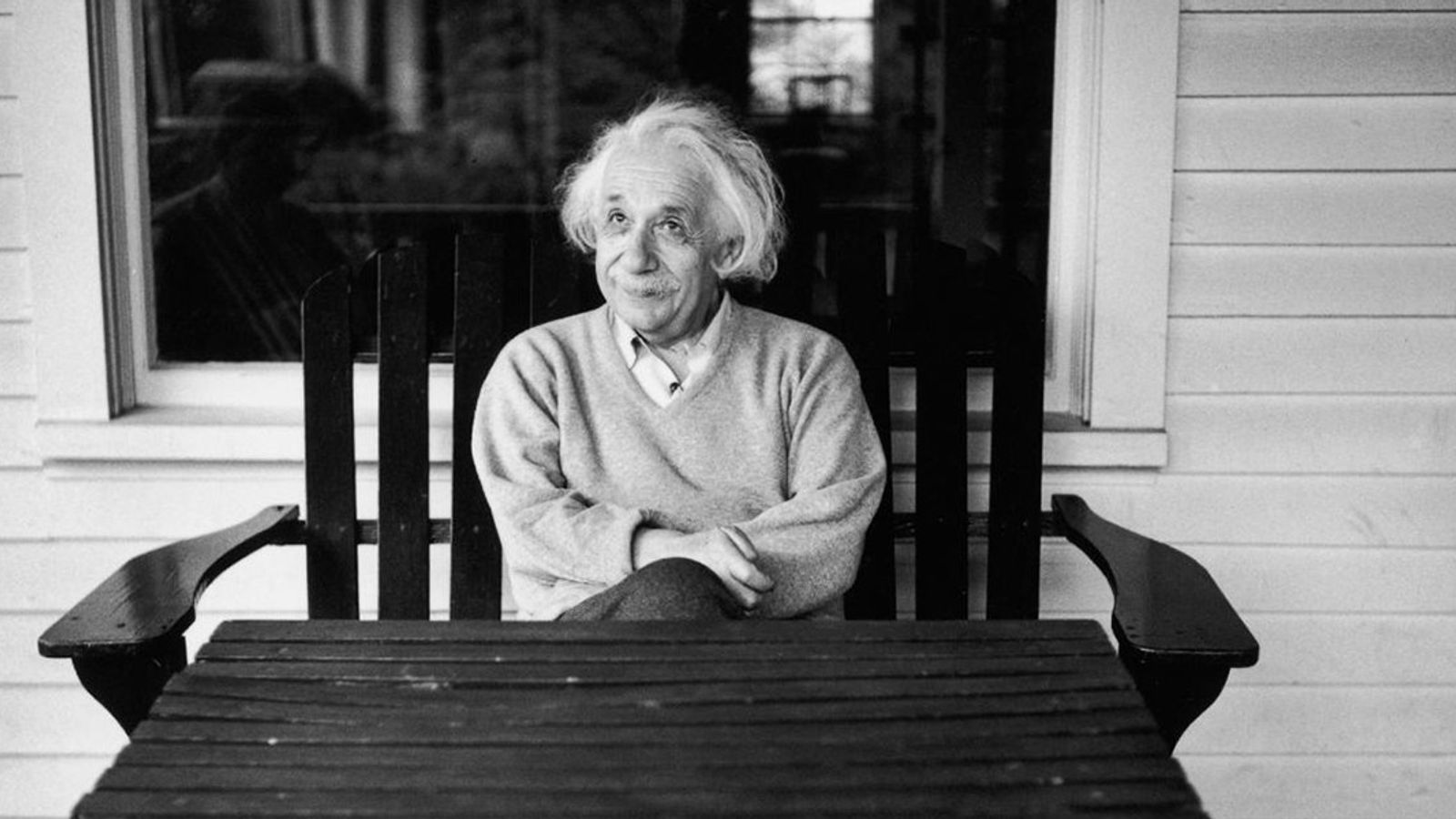 Einstein en su casa de Princeton en 1951.