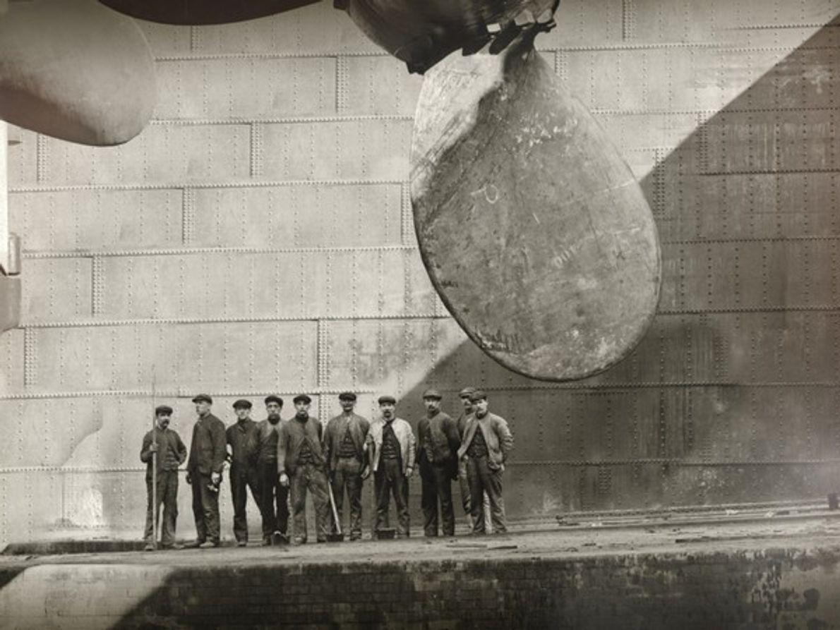 Hubo un trabajador de los astilleros de Harland and Wolff que estará siempre vinculado al …
