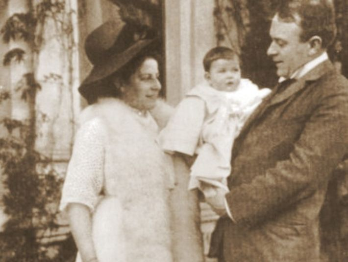 Thomas Andrews con su familia