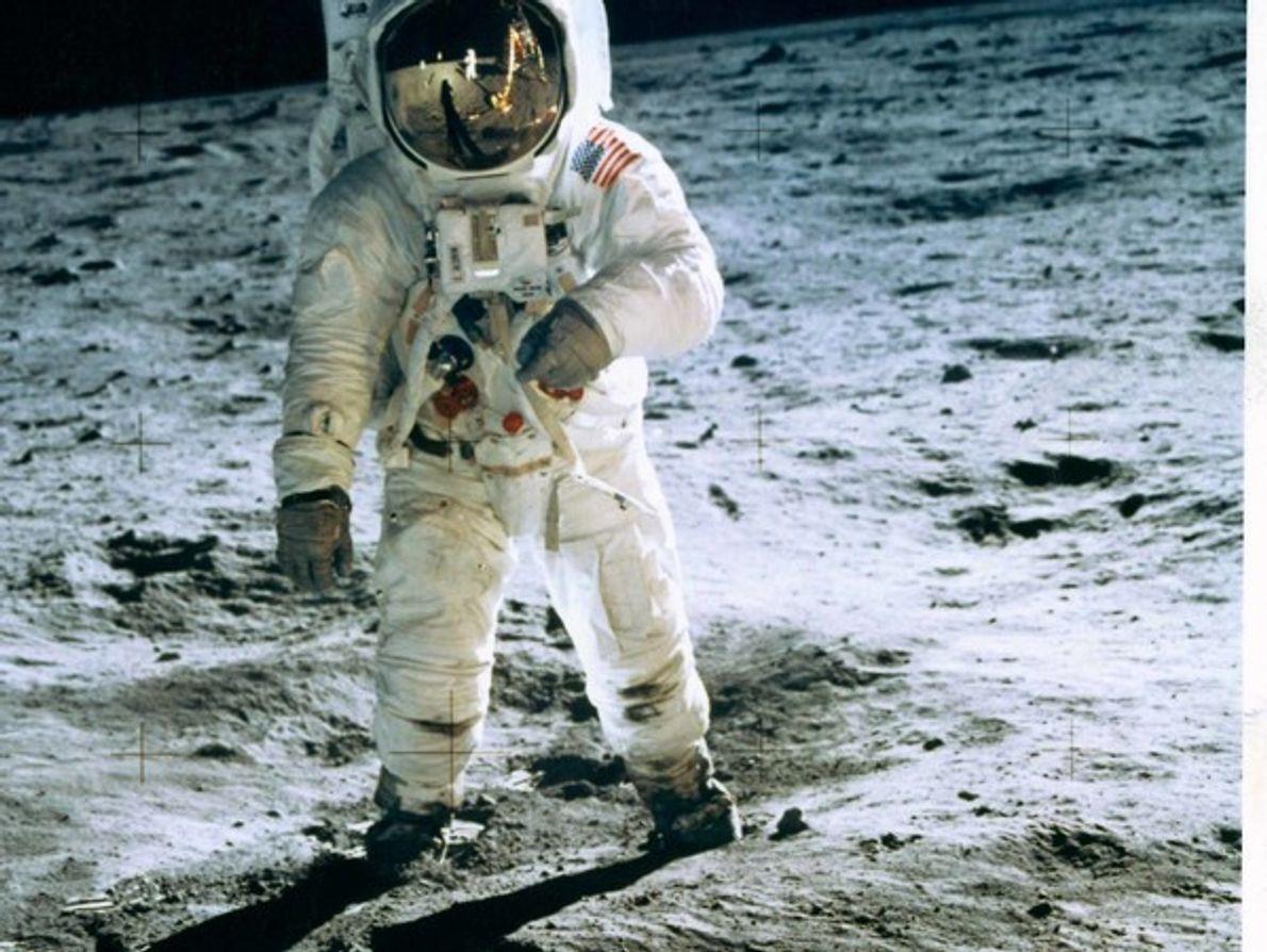 Paseo por la Luna, 1960