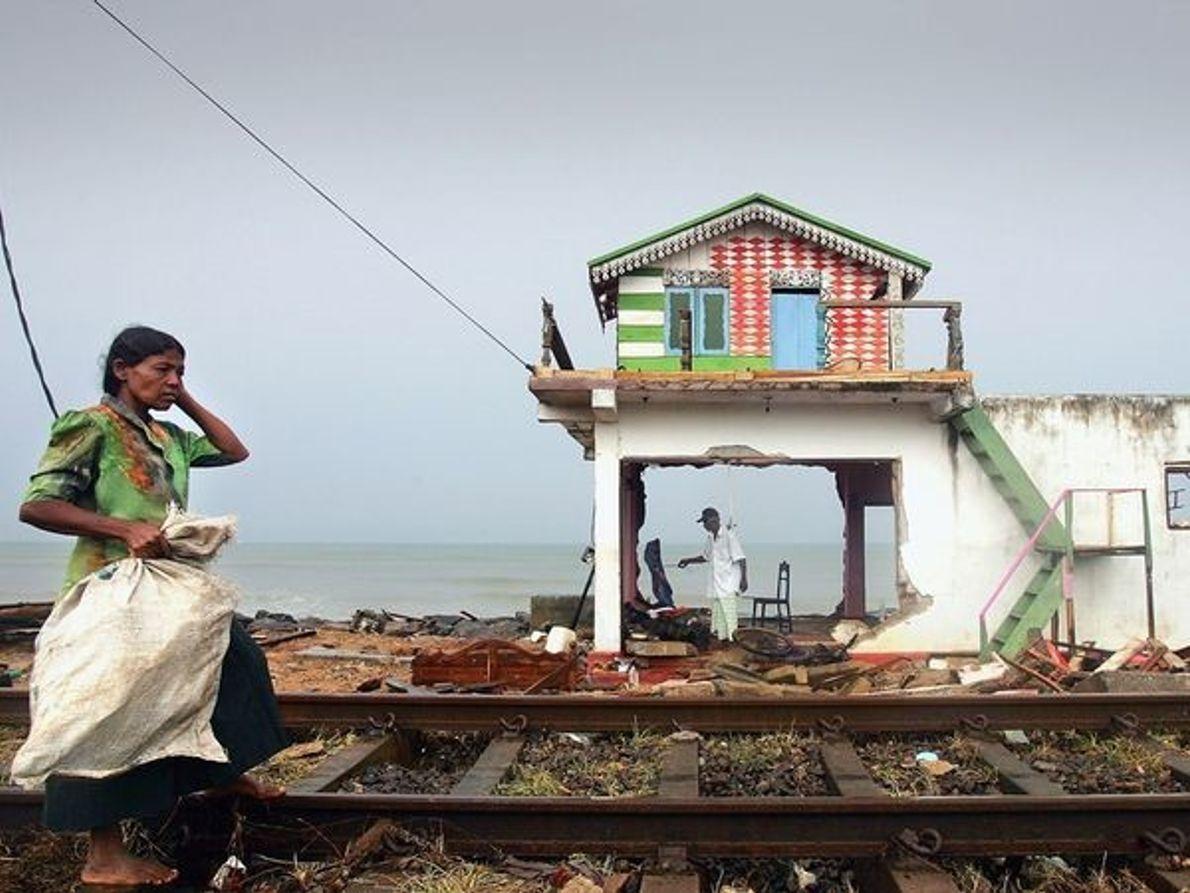 Casa dañada por el tsunami, Sri Lanka 2004