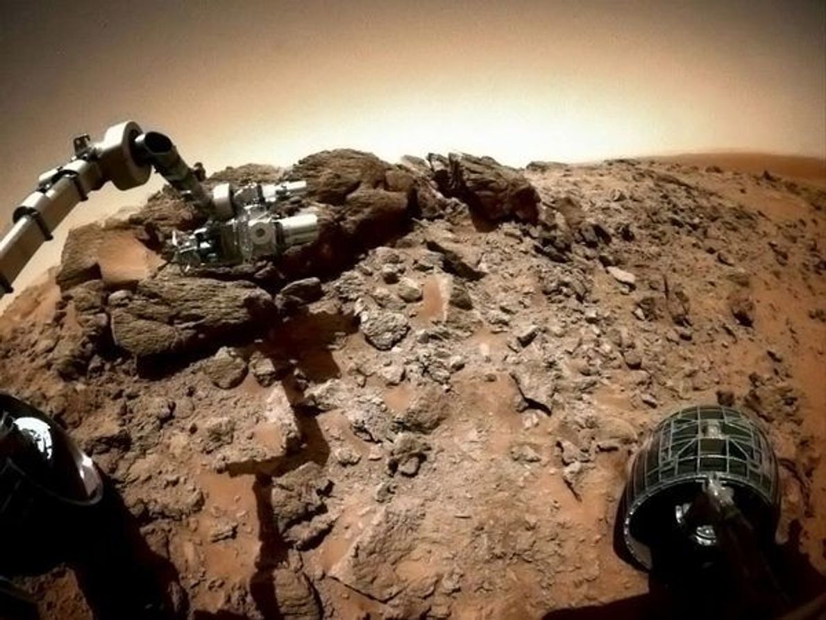Colina Husband, Marte