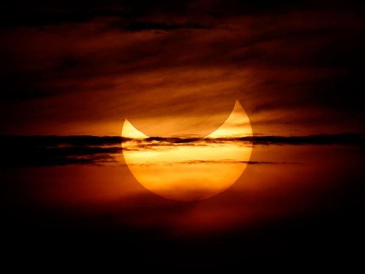 Sonrisa del eclipse solar