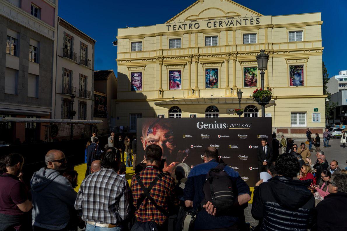 El exterior del teatro Cervantes