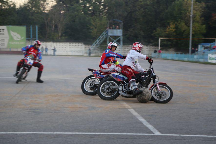 """El motoball es un deporte que exige mucho a los """"pilotos"""", es necesaria una gran resistencia ..."""