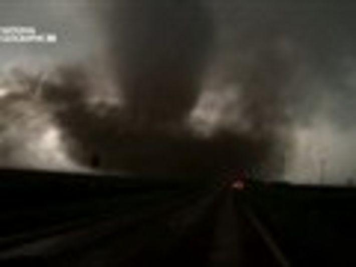 Breakthrough - La energia de los tornados