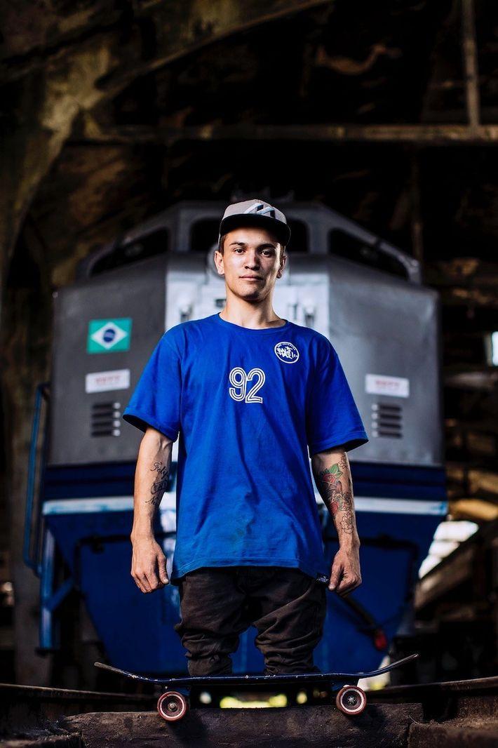 Samo Vidic fotografió al skater brasileño Felipe Nunes, que perdió las piernas en un accidente cuando ...
