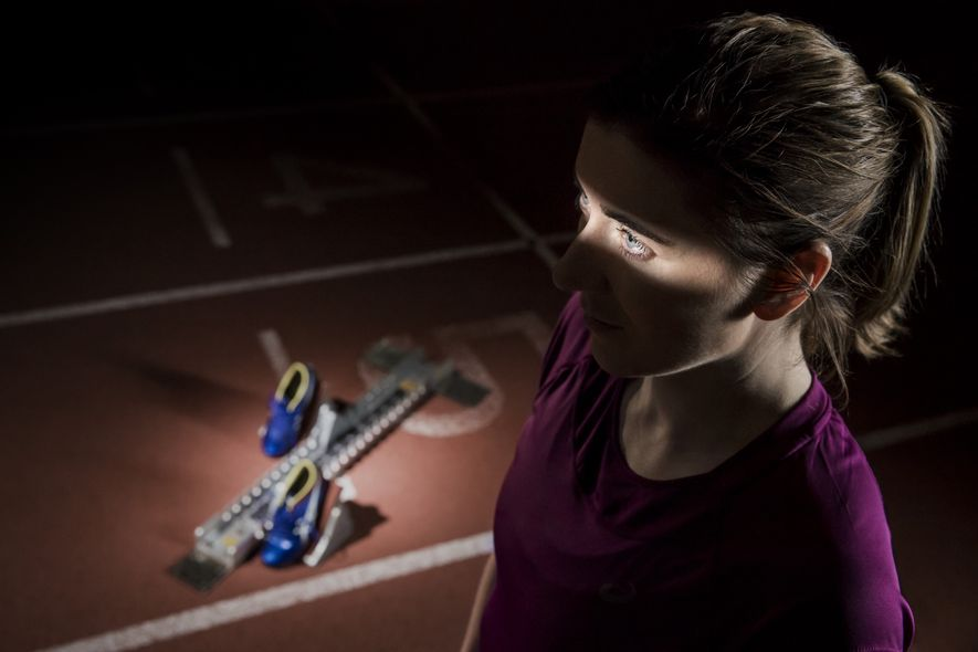 La británica Libby Clegg, medallista paralímpica de oro, sufre distrofia macular de Stargardt, una enfermedad ocular ...