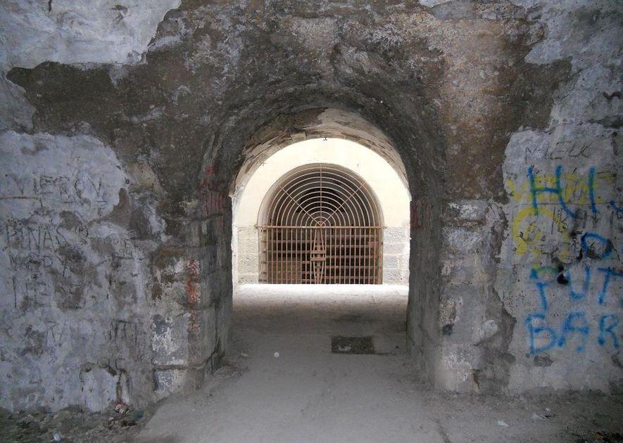 Calabozos del fuerte de San Cristóbal.