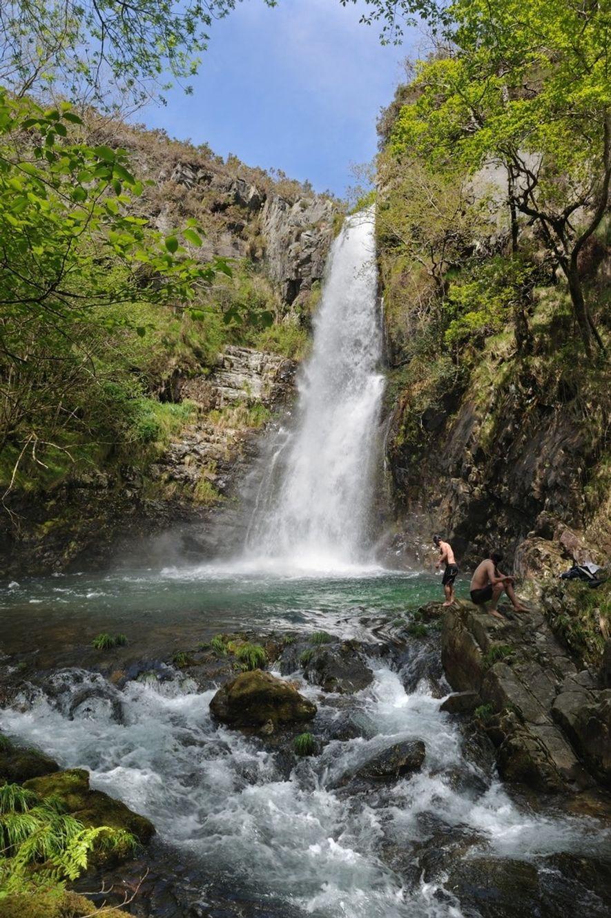 Esta joya de la naturaleza es la Cascada del Cioyo y se encuentra en Castropol.