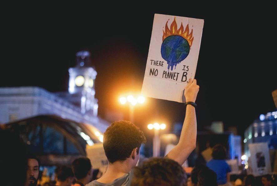 La Puerta del Sol en Madrid se unía a las marchas por el planeta que también ...