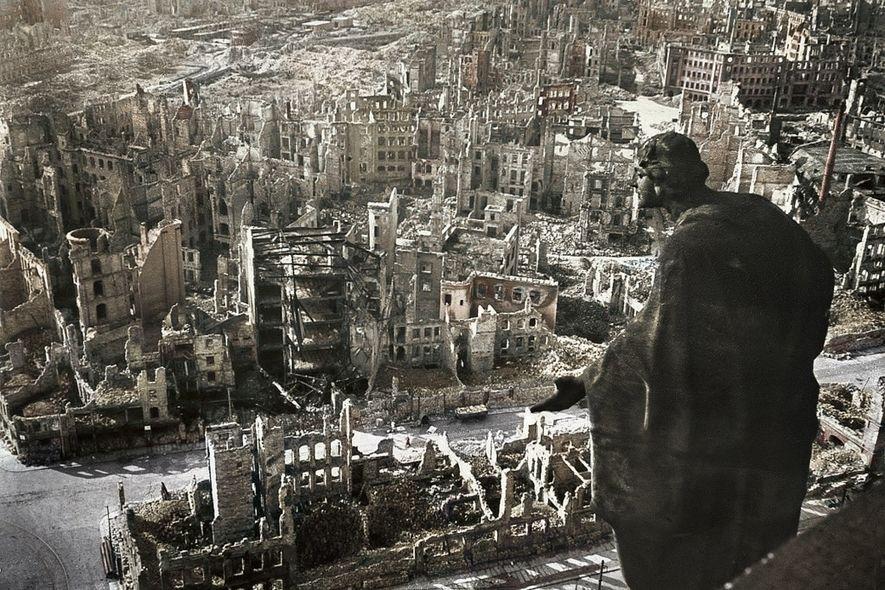 La ciudad alemana de Dresde totalmente destruida por las bombas aliadas.