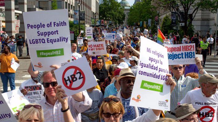 Día Internacional contra la Homofobia y la Transfobia