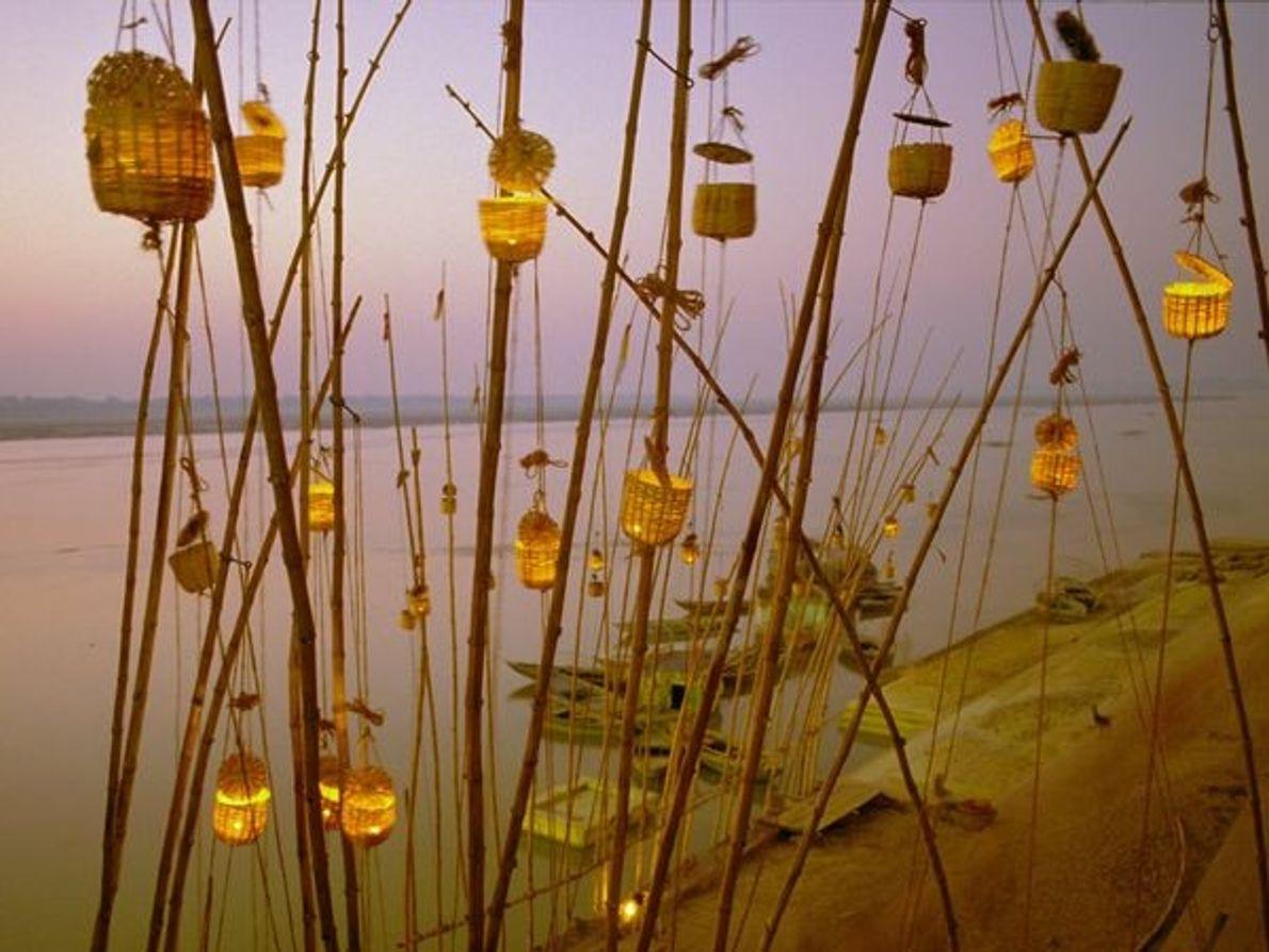 Festival de Akash Deep Puja