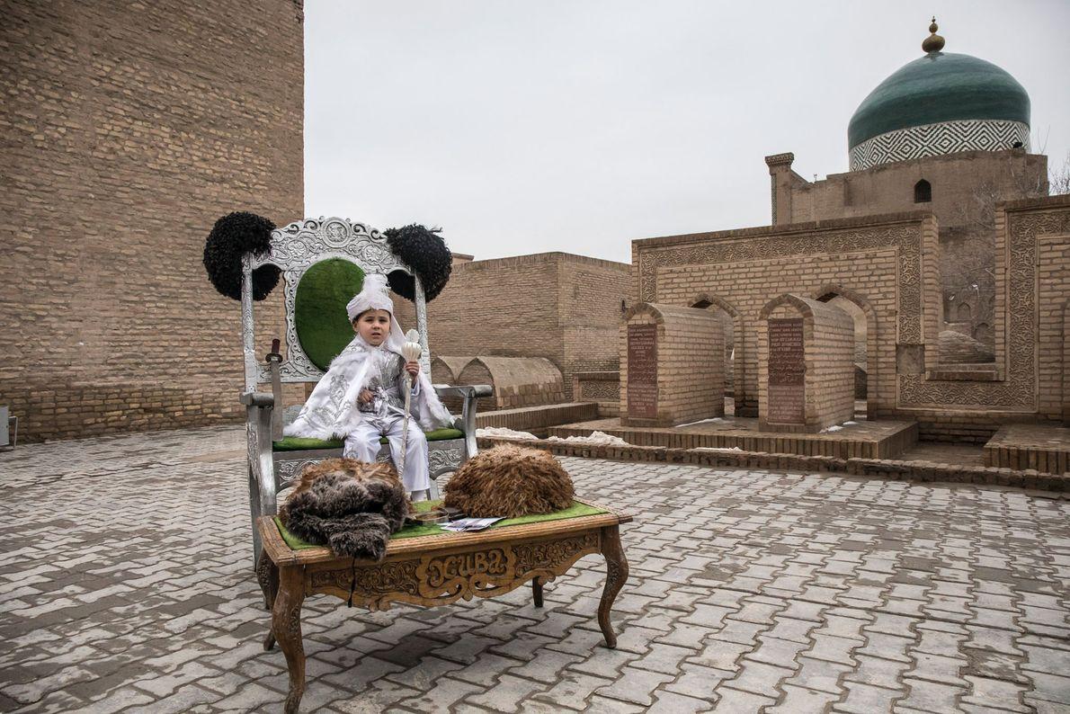 Beknur Bakhtiarov en la espiritual Itchan Kala