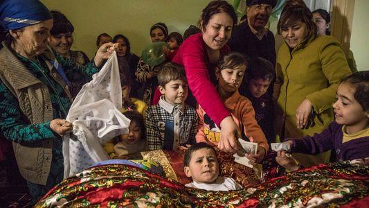 Así celebran el rito de la circuncisión en Uzbekistán