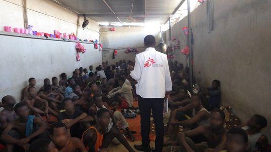 Esperanza en la incertidumbre: la tragedia invisible de los refugiados atrapados en Libia
