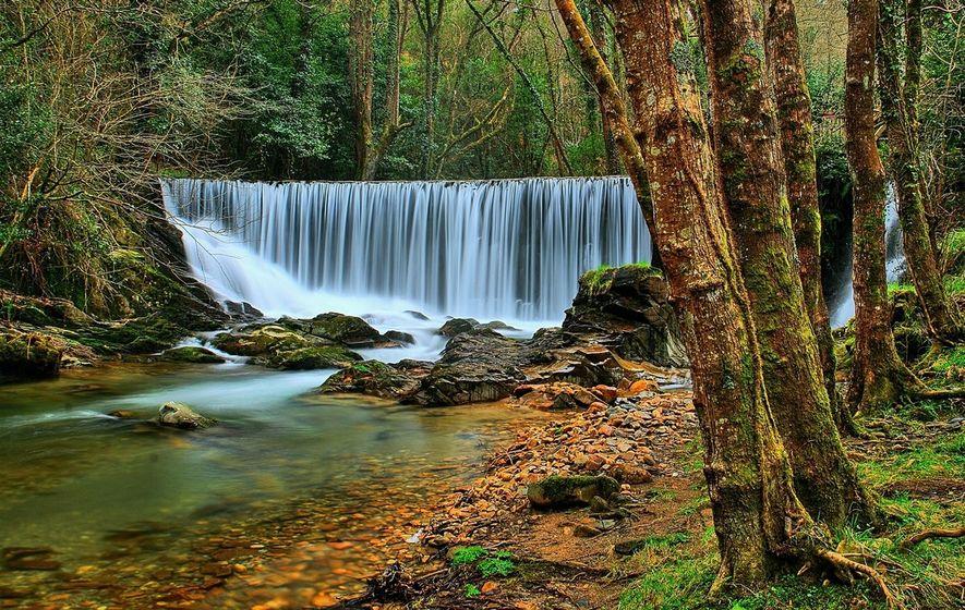 El Mazo de Meredo o Mazo de Suarón es otro de los lugares asturianos que aúna ...