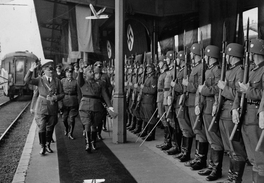 Adolf Hitler y Francisco Franco durante la reunión de Hendaya.