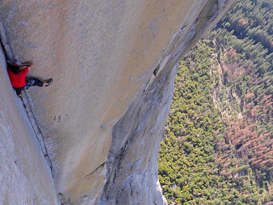 El primer vídeo en exclusiva de la escalada en solo integral de Alex Honnold