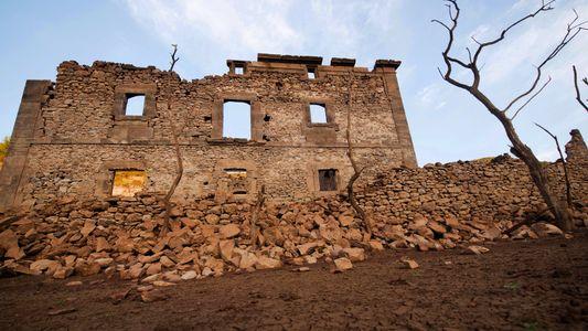 La localidad riojana de Mansilla de la Sierra emerge a causa de la sequía