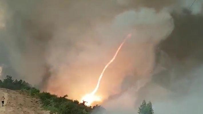 Un tornado de fuego aparece entre las llamas que devastan Portugal