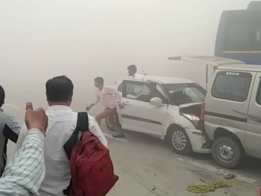 La contaminación en la India provoca accidentes de tráfico