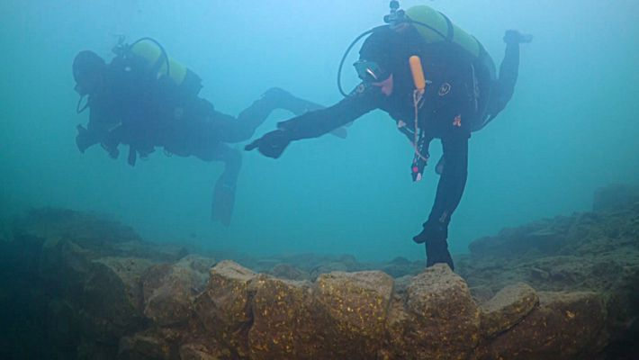 Descubierto un fuerte de 3.000 años de antigüedad bajo un lago turco