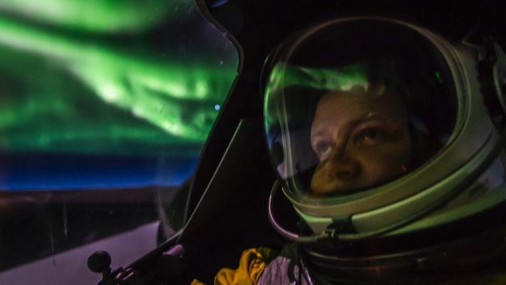 Vídeo: vuela dentro de una aurora boreal