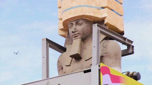 Trasladan la gigantesca estatua de Ramsés II al Gran Museo Egipcio