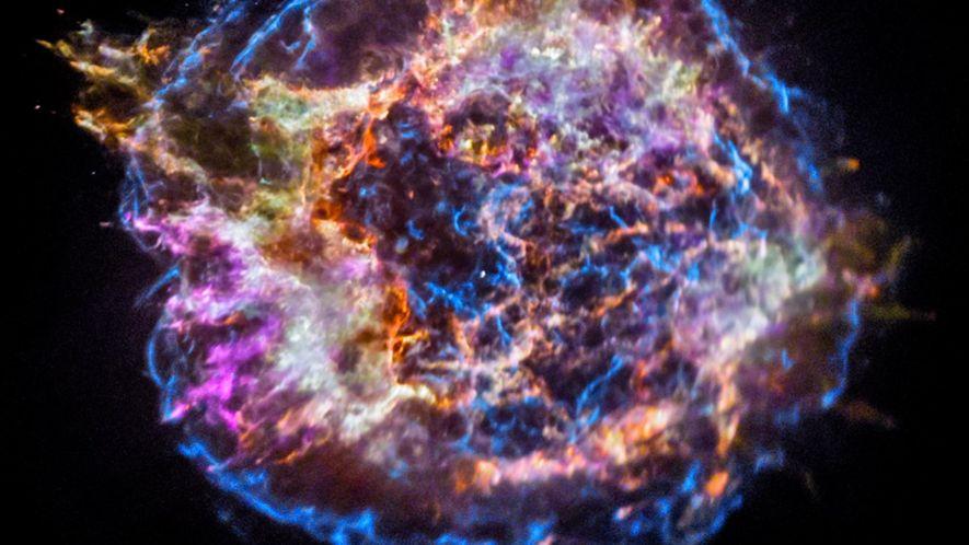 Explora los restos de la gigantesca supernova Casiopea A