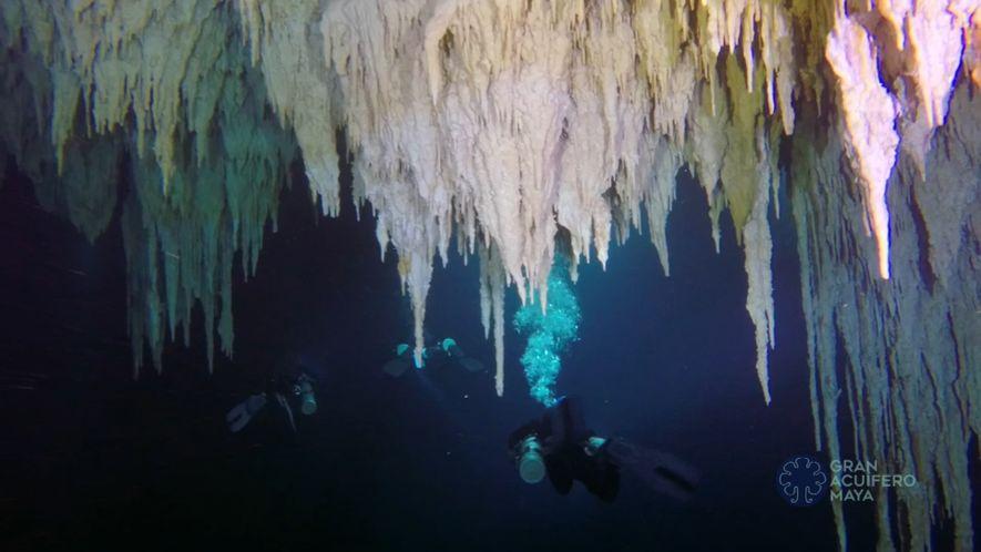 Explora la cueva subacuática más larga del mundo