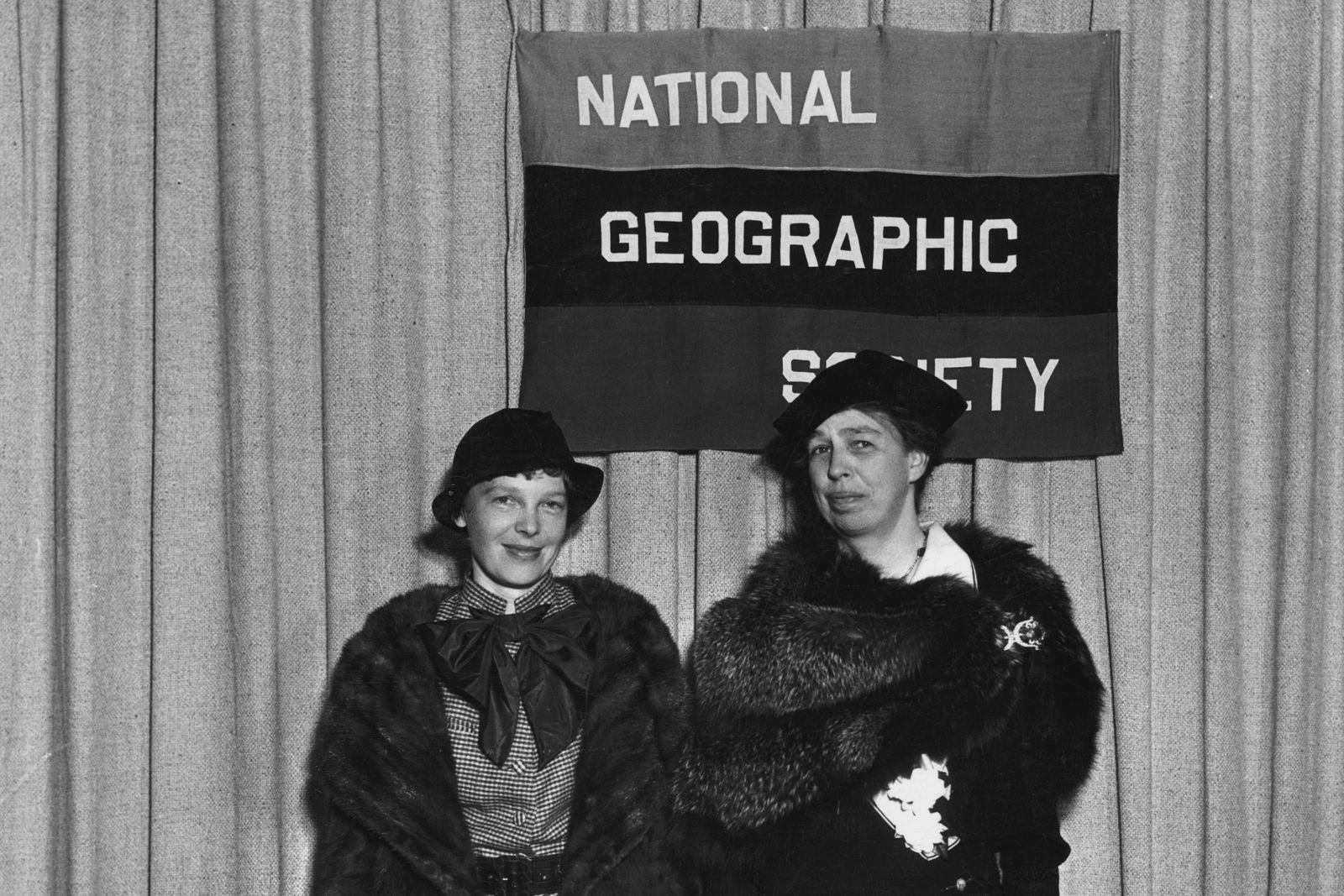 Amelia Earhart y la Primera Dama Eleanor Roosevelt