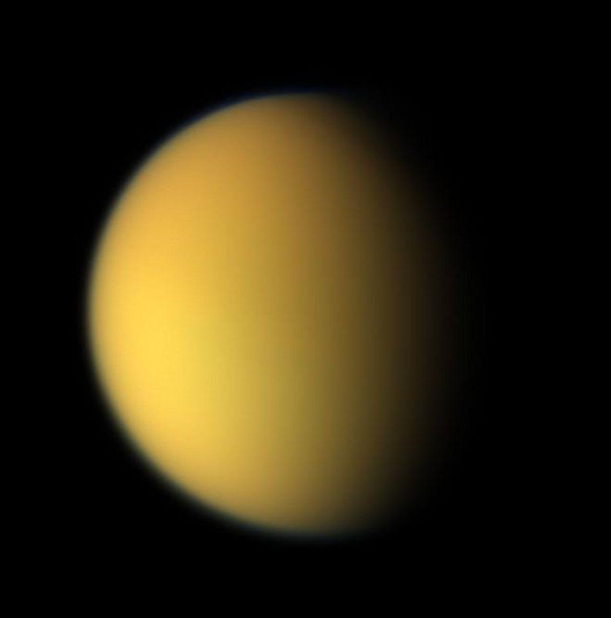 Color natural de Titán