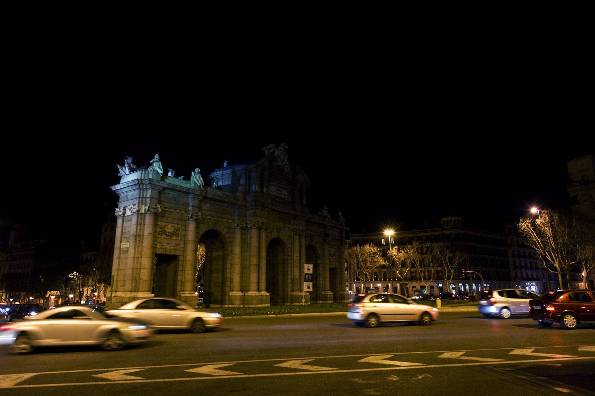 Puerta de Alcalá 00