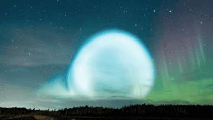 ¿Qué son estas misteriosas esferas de luz en el cielo de Siberia?