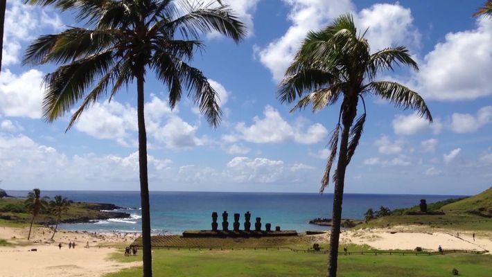 Explora los misterios de los moái de la Isla de Pascua
