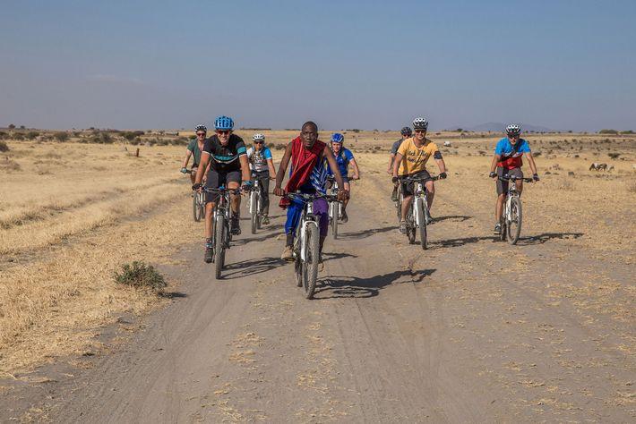 Un pelotón de ciclistas