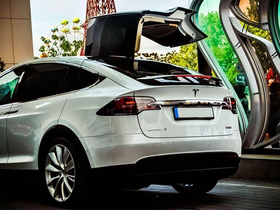 ¿Es más contaminante fabricar un coche eléctrico que uno convencional?