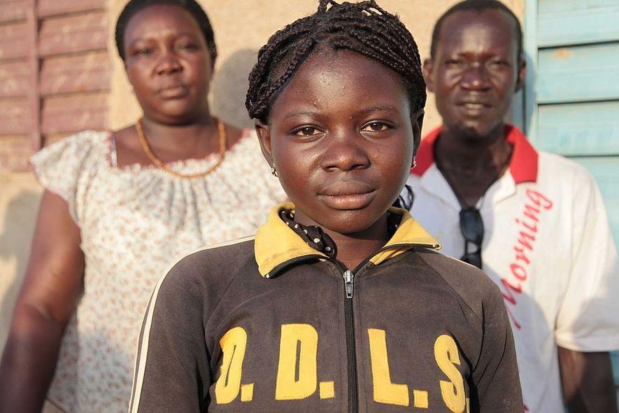 Ami, de catorce años de edad, supo cuando otras niñas de su aldea, en Burkina Faso, ...
