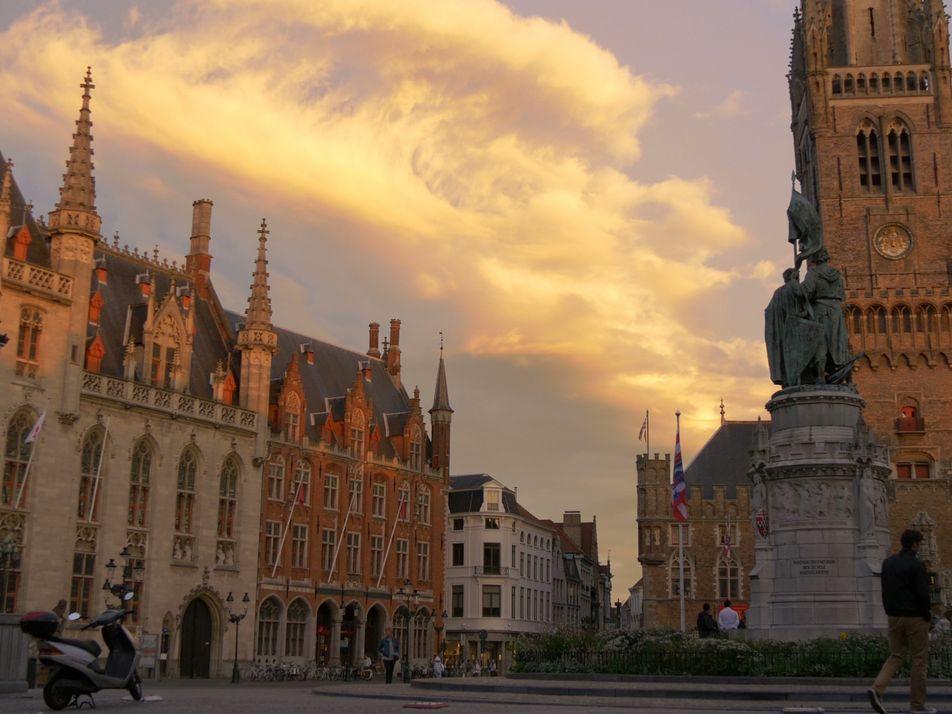 Empápate de arte y arquitectura medievales en la pintoresca Brujas