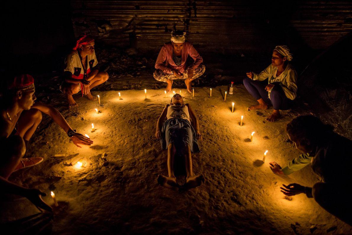 Una ceremonia nocturna