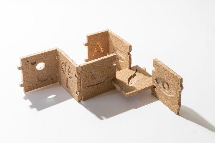 El proyectoya se ha lanzado a la producción de juguetes, muebles, paneles para ferias, lámparas y ...