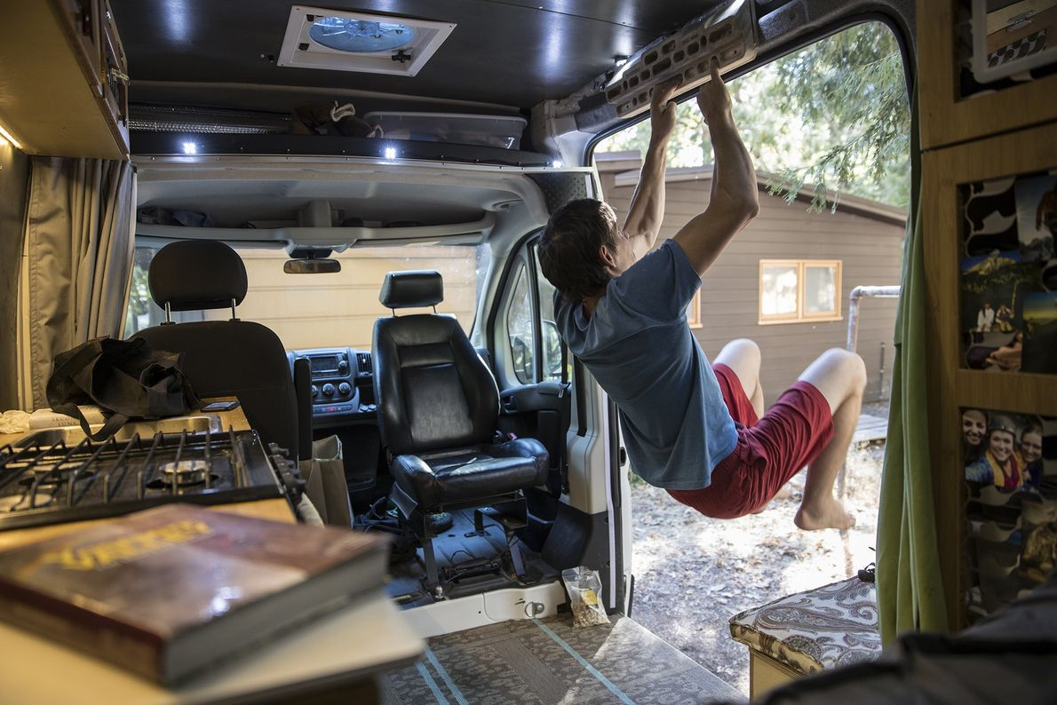Alex Honnold en su furgoneta