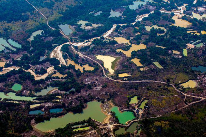 Campamento minero informal Esperanca IV