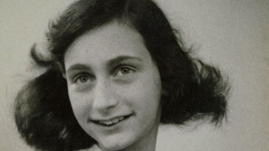 Un equipo forense busca a la persona que traicionó a Ana Frank