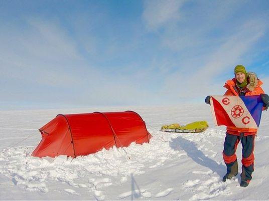 Colin O'Brady se convierte en la primera persona en atravesar la Antártida en solitario