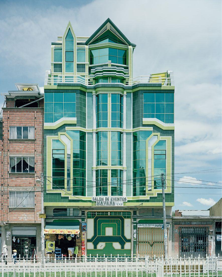 El estilo de Mamani ha influido en otros arquitectos.