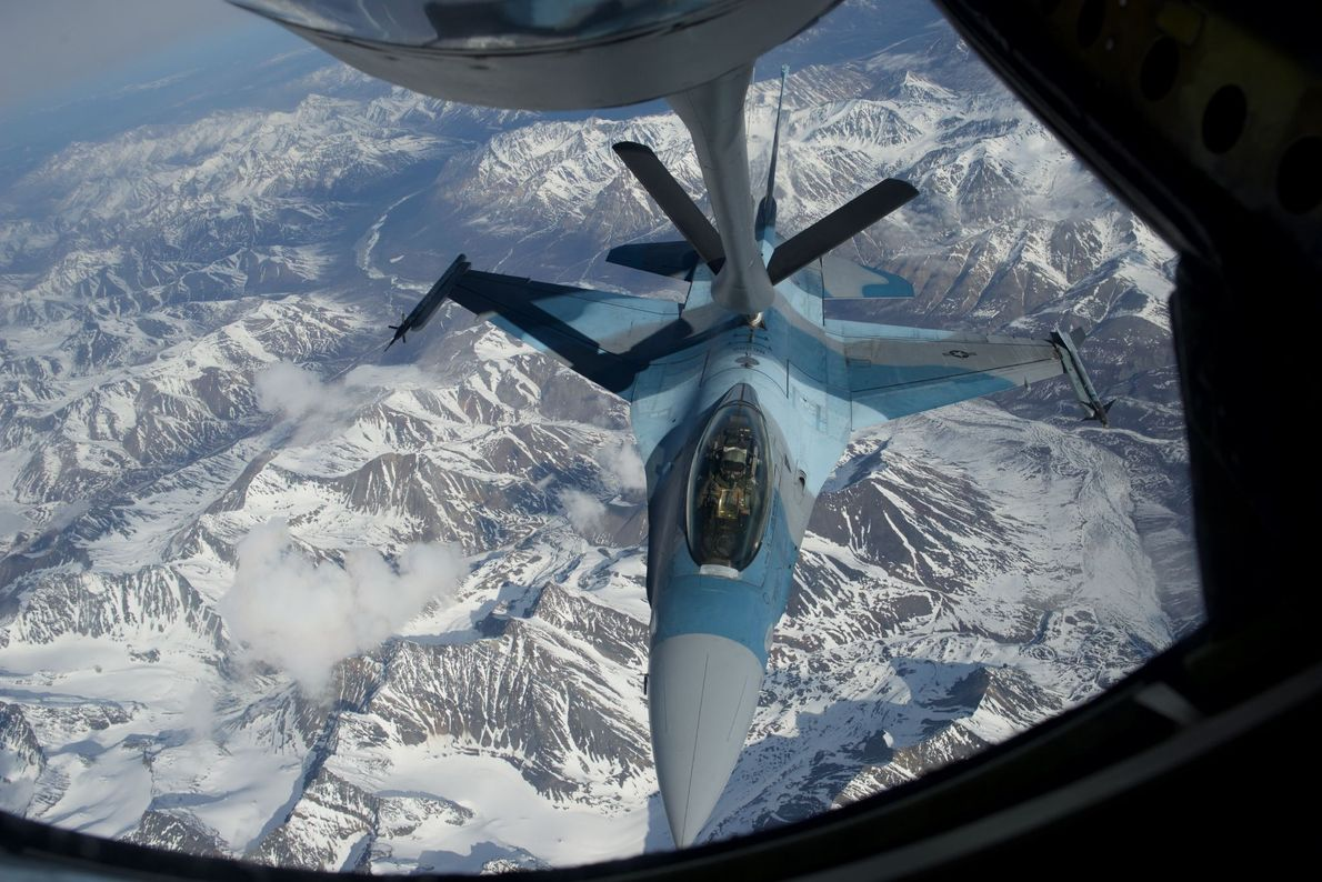 Un F-16 de la Fuerza Aérea